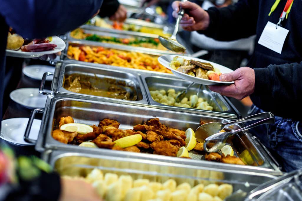 Аутсорсинг харчування на виробництві. Успішні практики українських компаній
