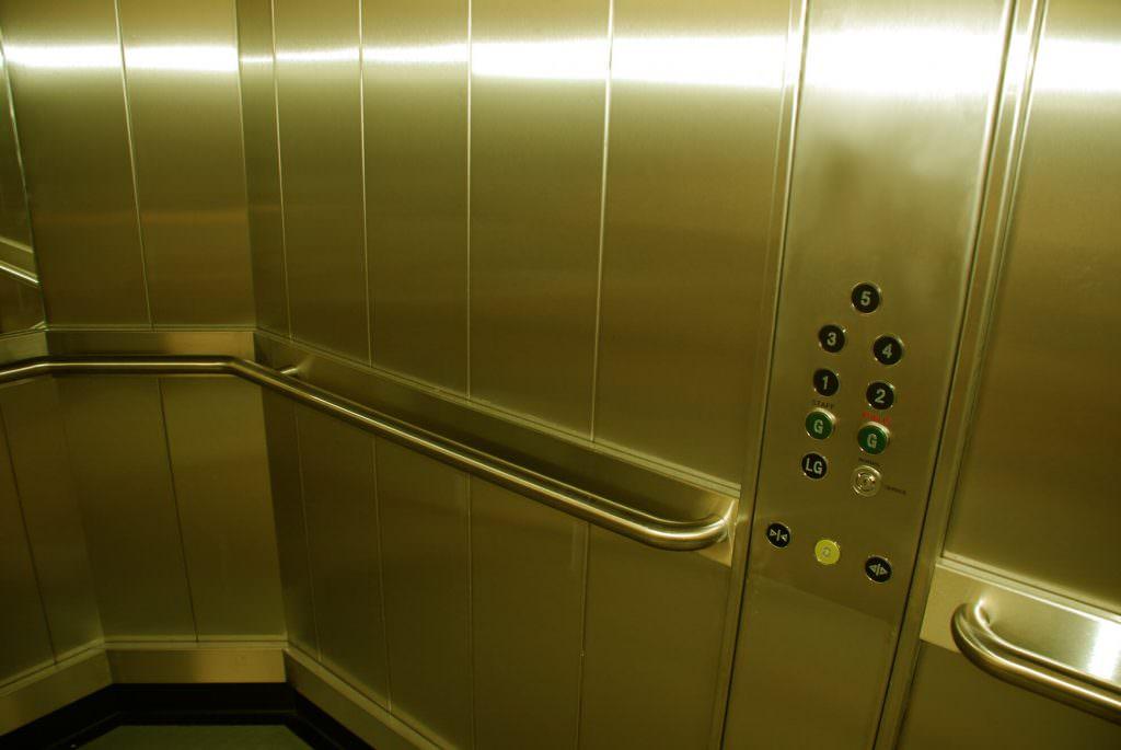 Особенности технического обслуживания и эксплуатации лифтов