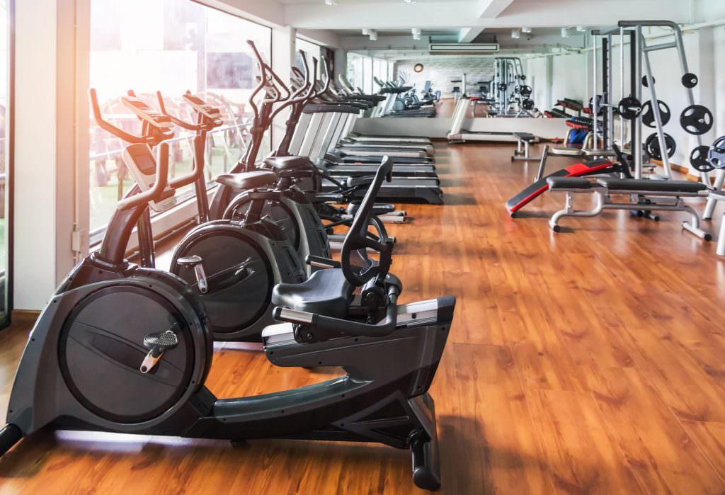 Прибирання спортзалів та фітнес-клубів