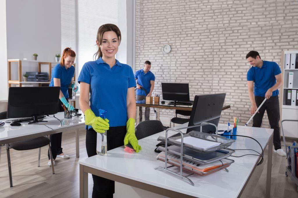 Прибирання бізнес центрів