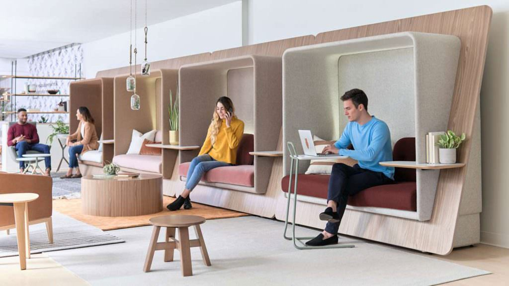Традиционные офисы VS коворкинги. Какое будущее ждет офисную недвижимость