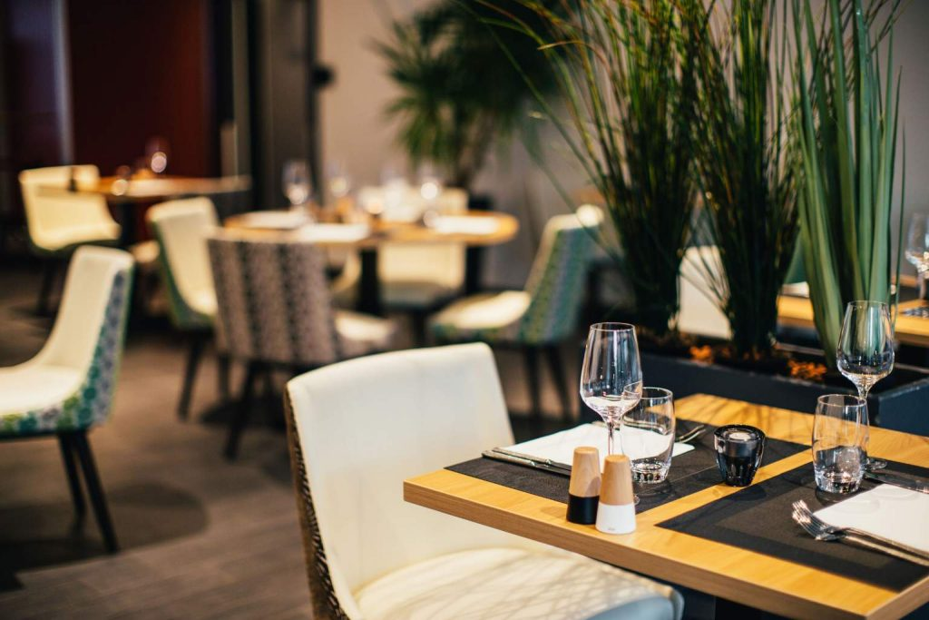 Facility management opportunities for restaurants