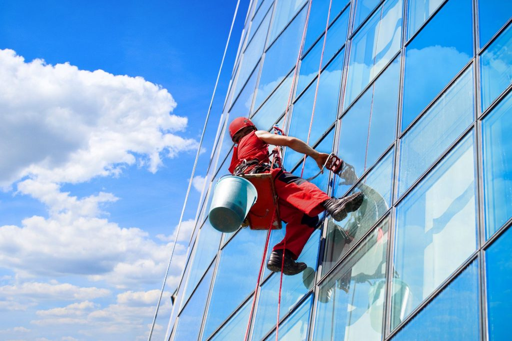 Features of industrial mountaineering for commercial real estate
